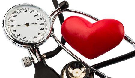 高血圧の原因を推察することができます